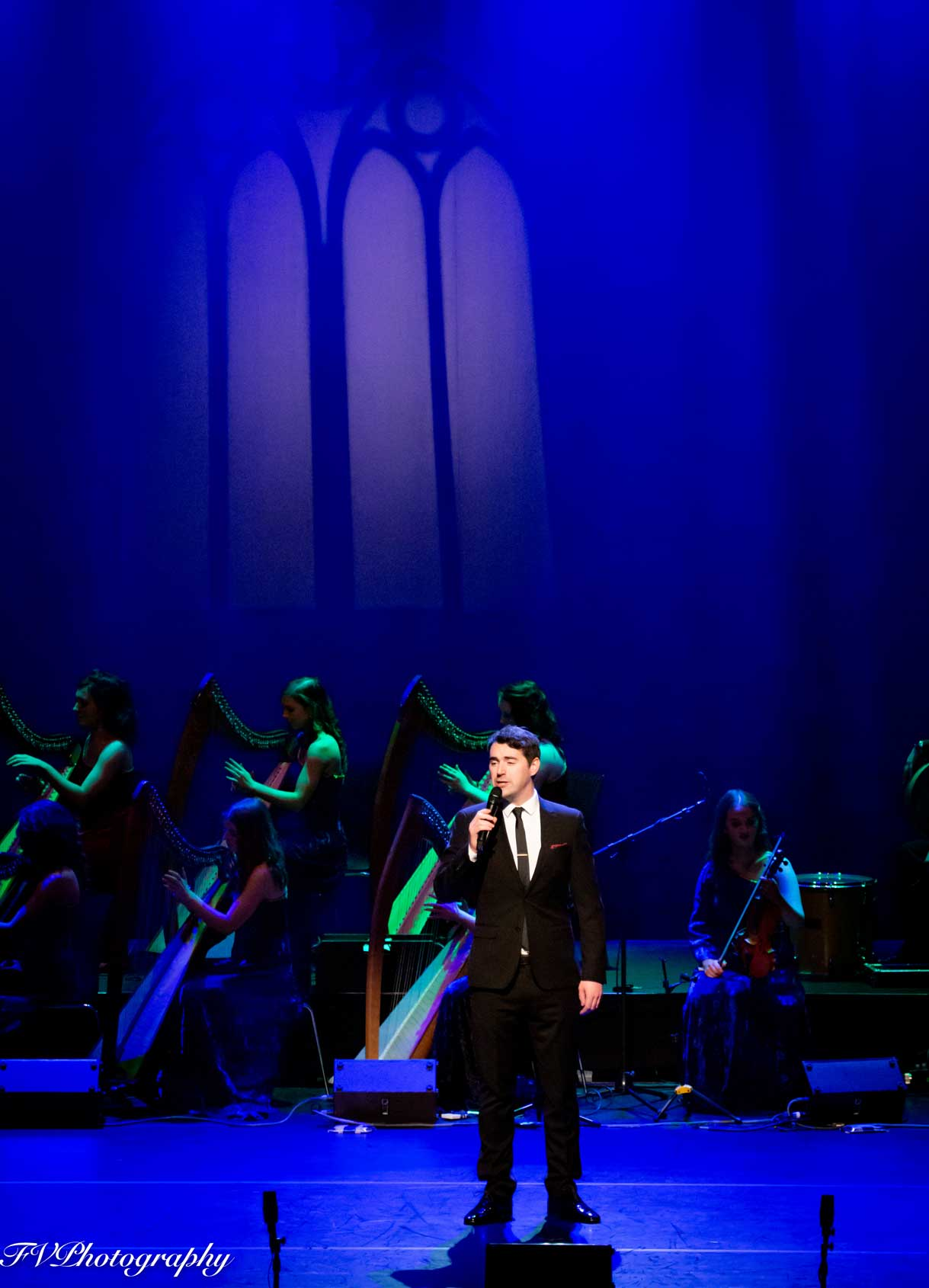 IHO-2019-Brian-McNamee-and-harps-sml